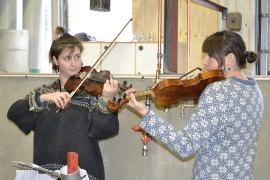 Laura och Else stod för musiken